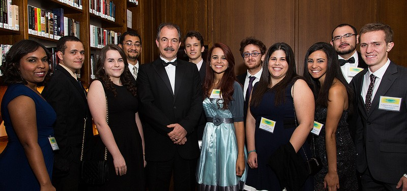 Minister Mercadante with some of the Brazilian recipients of Science without Borders scholarships