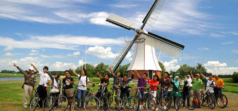 International students in Dutch scenery