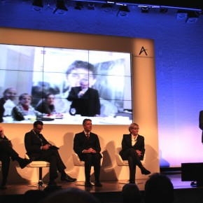 The Cambridge Assessment team in Mexico joins a panel discussion via video link