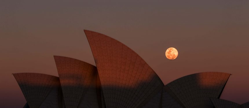 Bad moon rising. NTEU says international students are being admitted with low English proficiency. Photo: Paul Carmona/Unsplash